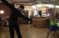 Niesłysząca Magda Kuczma w tańcu z okazji Jubileuszu RES-GEST